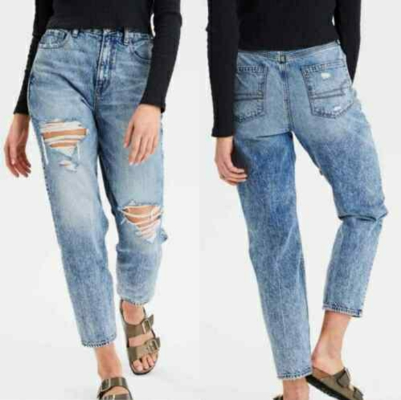 American Eagle Curvy Mom Jeans Acid Wash Ripped